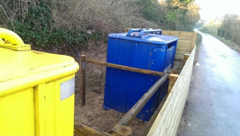 Ocultación de contenedores para el ayuntamiento de Camallera